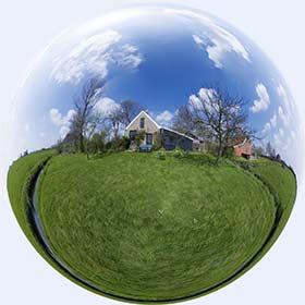 panorama van het huis in bolvorm
